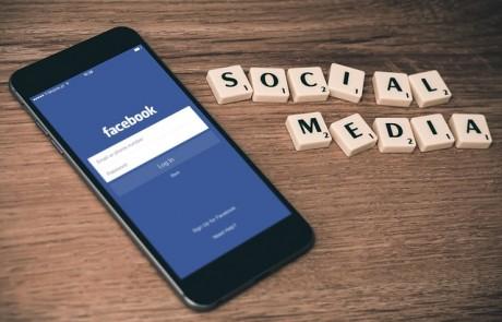 במה שונה פרסום ממומן בפייסבוק מפרסום ממומן בגוגל?